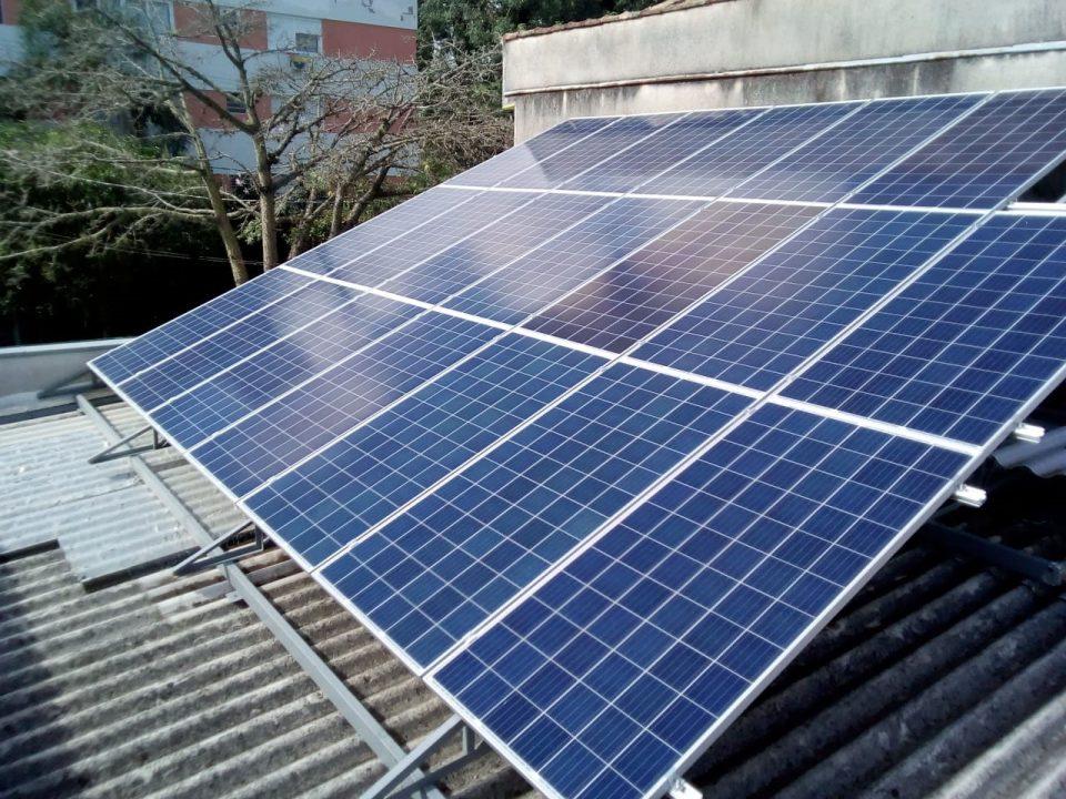 Projeto de energia solar instalado em Porto Alegre